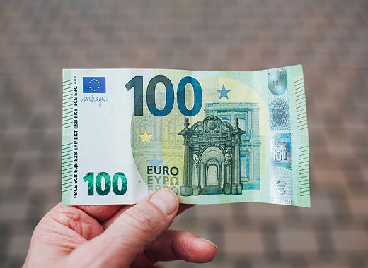 ECB President Sees Digital Euro Only as Complement